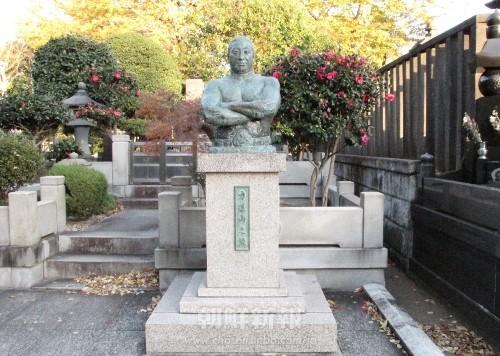 東京・大田区の池上本門寺にある力道山の墓