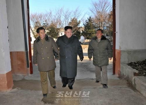 김정은원수님께서 조선인민군 제313군부대관하 8월25일수산사업소를 현지지도하시였다.(조선중앙통신)